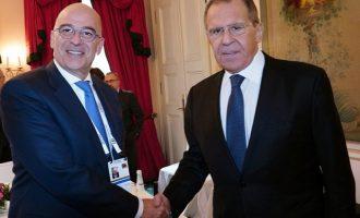 Ο Δένδιας μίλησε με Λαβρόφ – Την Παρασκευή πάει Σλοβενία και Τσεχία