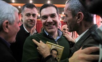 Τσίπρας: Ο Μητσοτάκης εξοφλεί «γραμμάτια» ως πρωθυπουργός