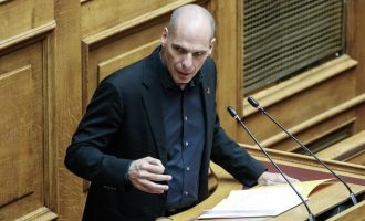 Ο Βαρουφάκης κατέθεσε τις κρυφές ηχογραφήσεις του Eurogroup – Τασούλας: Δεν θα γίνουμε αχθοφόροι του