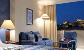 Κοροναϊός: Κλείνουν όλα τα ξενοδοχεία μέχρι τέλη Απριλίου
