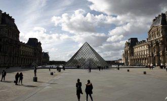 Γαλλία: 365 νεκροί το τελευταίο 24ωρο από τον κοροναϊό – 1.696 συνολικά