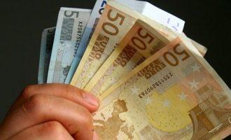 Άνοιξε η πλατφόρμα για το επίδομα των 800 ευρώ – Κάντε την αίτηση εδώ
