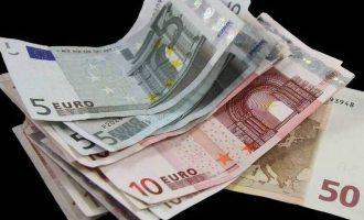 Χάνουν το επίδομα των 800 ευρώ χιλιάδες εργαζόμενοι και άνεργοι – Τι συμβαίνει