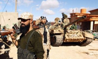 Ρώσοι μισθοφόροι σύμμαχοι του Χαφτάρ απομακρύνθηκαν από την Τρίπολη, λένε οι ισλαμιστές