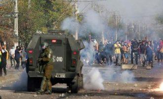 «Βράζει» η Χιλή: Αυξάνονται τα θύματα του κορωνοϊού – Συγκρούσεις στους δρόμους κατά της απαγόρευσης κυκλοφορίας