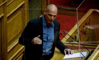 Βαρουφάκης: Αν είμαστε τυχεροί η ύφεση θα φτάσει το 15%