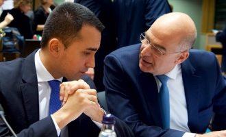 Για το σταδιακό άνοιγμα της Ελλάδας μίλησαν Δένδιας και Ντι Μάιο