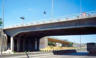 Κατεδαφίζεται η γέφυρα Βαρυμπόμπης – Μπαίνουν διόδια