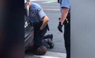 ΗΠΑ: «Αθώος» δηλώνει ο αστυνομικός που «έφαγε» 22 χρόνια για το φόνο του Τζορτζ Φλόιντ