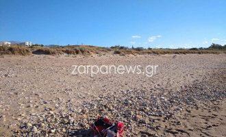 60χρονος ξάπλωσε δίπλα σε κοπέλες σε παραλία και άρχισε να αυνανίζεται (βίντεο)