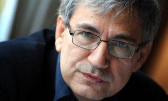 Τούρκος συγγραφέας: Ο Ερντογάν δεν σέβεται ούτε τον Κεμάλ