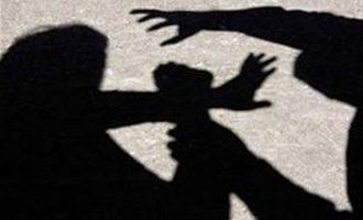 Γονιός στην Κρήτη χτύπησε καθηγητή για τη μάσκα