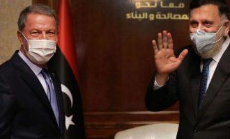 Χουλουσί Ακάρ: Η Τουρκία θα μείνει στη Λιβύη «μέχρι το τέλος»