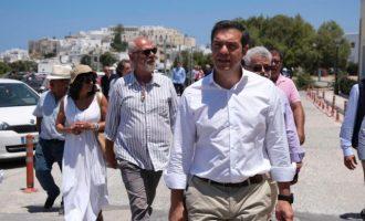 Τσίπρας από Νάξο: Η κυβέρνηση μεγιστοποιεί την κρίση, η ύφεση θα είναι τρομακτική