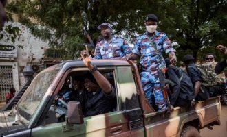 Ένας συνταγματάρχης ο επικεφαλής της στρατιωτικής χούντας στο Μαλί