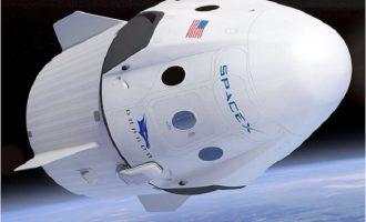 ΗΠΑ: Η κάψουλα της SpaceX επέστρεψε στη Γη (βίντεο)
