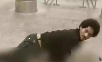 Άνδρας προσπαθεί να βιάσει 25χρονη στο Μετρό (βίντεο)