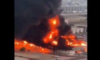 Μεγάλη πυρκαγιά σε κλειστή αγορά στα Εμιράτα