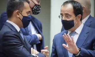 Financial Times: Η Κύπρος μπλοκάρει τις κυρώσεις στη Λευκορωσία εάν δεν επιβληθούν και στην Τουρκία