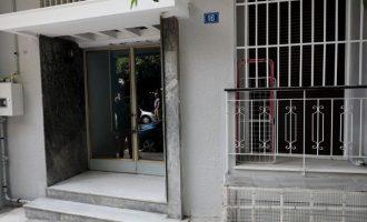 Τρεις συλλήψεις για τρομοκρατία – Tι βρέθηκε σε γιάφκα στο Κουκάκι (φωτο)