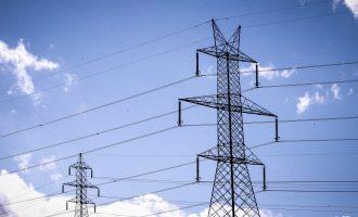 ΥΠΕΝ: Νέα μέτρα για φθηνότερο ρεύμα σε νοικοκυριά και επιχειρήσεις