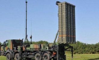 Bloomberg: Ο Ερντογάν «πλεύρισε» Μακρόν για να αγοράσει πυραυλικά συστήματα SAMP/T