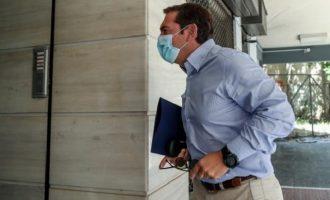 Τσίπρας για σχολεία: Η κυβέρνηση λέει αν έχεις μάσκα και παγούρι, η ευθύνη δική σου