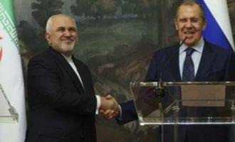 Ο Λαβρόφ επαίνεσε τη συνεργασία Ρωσίας, Ιράν και Τουρκίας στη Συρία