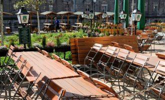 Κορωνοϊός: Εξοργισμένοι οι κλάδοι εστίασης και τουρισμού στη Γερμανία από το μερικό λοκντάουν