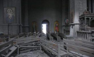 Οι Αζέροι Τούρκοι βομβάρδισαν ιστορική αρμενική εκκλησία στο Αρτσάχ