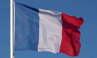 Άνδρας επιτέθηκε με αιχμηρό αντικείμενο σε φρουρό του Γαλλικού Προξενείου στην Τζέντα