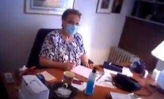 Ο «Ρουβίκωνας» εισέβαλε στο γραφείο της Γιαμαρέλλου (βίντεο) – Γίνονται και επί ΝΔ αυτά;