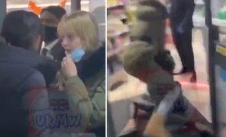 Γυναίκες πιάστηκαν στα χέρια λόγω μάσκας – Ξανθιά σέρνει από το μαλλί μελαχρινή στα πατώματα (βίντεο)