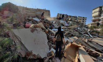 Ερντογάν: 26 νεκροί και 885 τραυματίες από τον σεισμό στη Σμύρνη