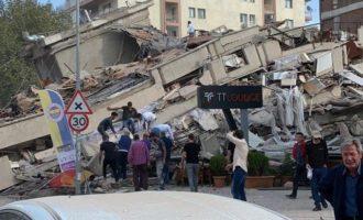 Σεισμός Σμύρνη: 113 νεκροί, 898 τραυματίες, 137 νοσηλεύονται