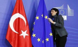 Η Γαλλία κάλεσε τους ηγέτες της ΕΕ να εγκρίνουν κυρώσεις κατά της Τουρκίας