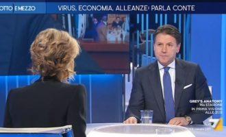 Τζουζέπε Κόντε: Όχι υποχρεωτικό το εμβόλιο στην Ιταλία – Πώς θα γιορταστούν τα Χριστούγεννα