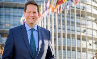 Αυστριακός ευρωβουλευτής: Να διακοπεί η προενταξιακή βοήθεια στην Τουρκία