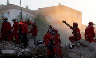 Σεισμός Σμύρνη: 76 νεκροί, 962 τραυματίες – 219 νοσηλεύονται