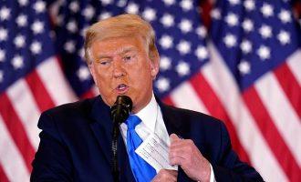 Αμετανόητος ο Τραμπ: Δεν παραδέχομαι τίποτα
