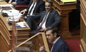 Ακυρώνεται η συζήτηση της ερώτησης Τσίπρα σε Μητσοτάκη για τα ΜΜΜ