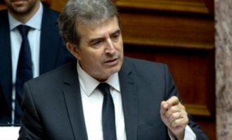 Χρυσοχοΐδης: Απόλυτη συμμόρφωση με τα μέτρα για να «φρενάρουμε» τον ιό