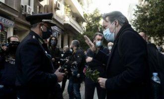 Ελεύθεροι αφέθηκαν οι παράνομα προσαχθέντες δικηγόροι – Ζητούν τη δίωξη του Αττικάρχη