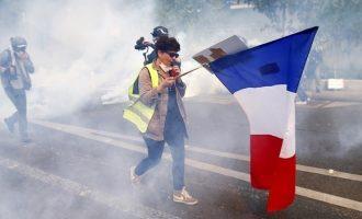 Παρίσι: Συμπλοκές αστυνομίας-διαδηλωτών σε διαδήλωση κατά του αμφιλεγόμενου νόμου για την ασφάλεια
