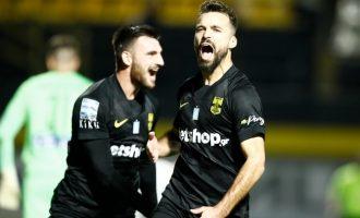 Κίτρινο βάφτηκε το ντέρμπι της Θεσσαλονίκης: Άρης-ΠΑΟΚ 1-0