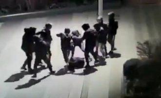 Συμμορία ξυλοκόπησε 14χρονο στο Παρίσι – Είναι σε κώμα (βίντεο)