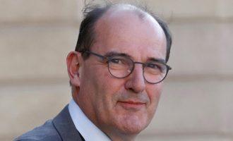 Γαλλία: Ξανά σε καραντίνα ο Ζαν Καστέξ – Θετική στον κορωνοϊό η σύζυγος του