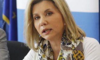 Η Μακρή λέει άλλα από Πελώνη και Κικίλια: Τη Δευτέρα ανοίγουν νηπιαγωγεία και δημοτικά