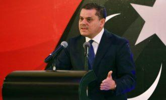 Ανέλαβε και επίσημα η μεταβατική κυβέρνηση στη Λιβύη