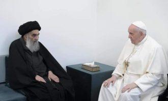 Ιστορική συνάντηση του Πάπα Φραγκίσκου με τον Μεγάλο Αγιατολάχ Σιστάνι